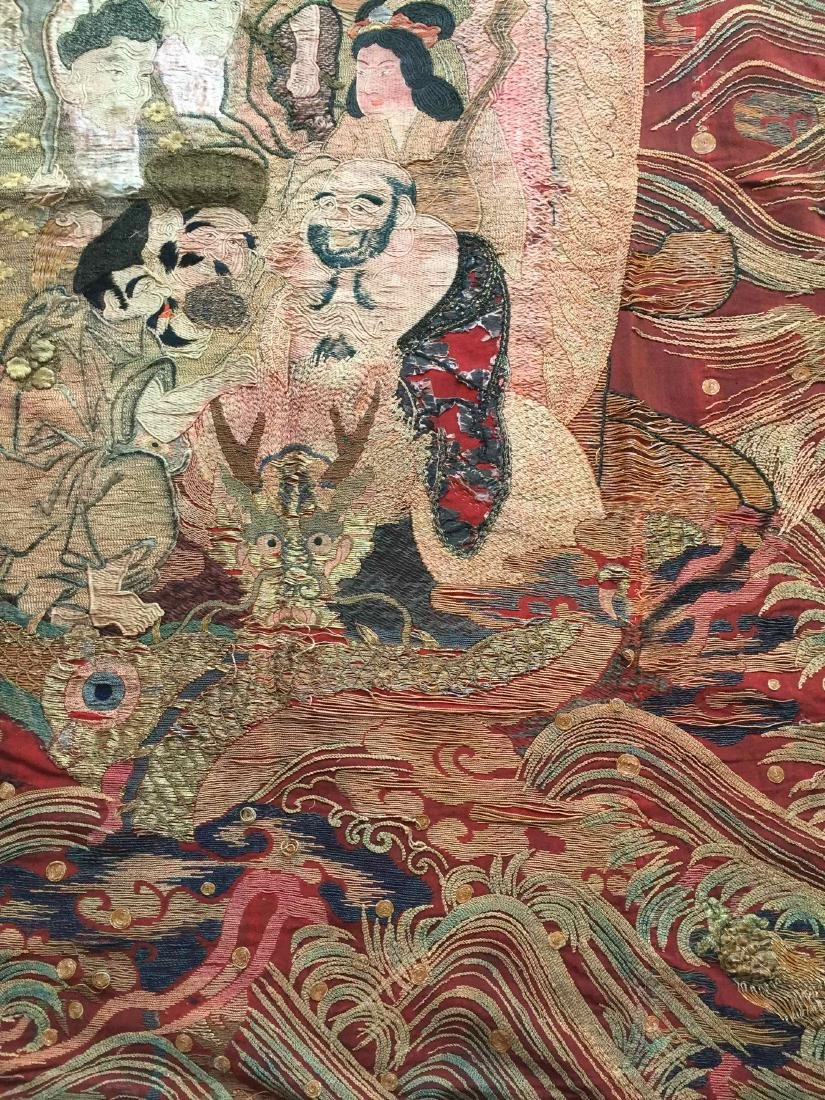 A LARGE CHINESE ANTIQUE EMBROIDERED PANEL - 5