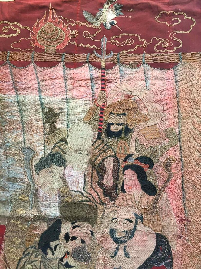 A LARGE CHINESE ANTIQUE EMBROIDERED PANEL - 6