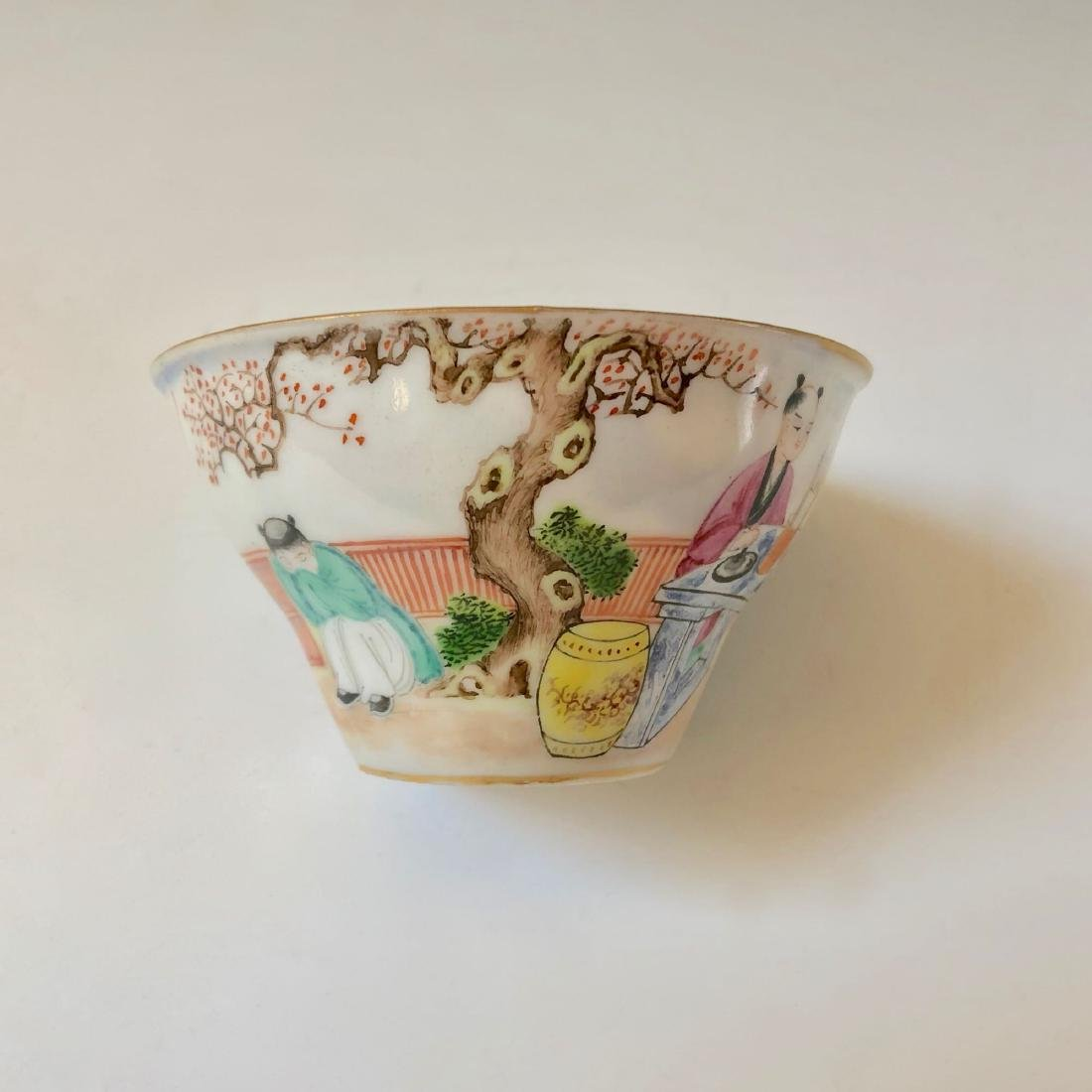 A SET OF CHINESE ANTIQUE FAMILLE ROSE PORCELAIN CUP AND - 4