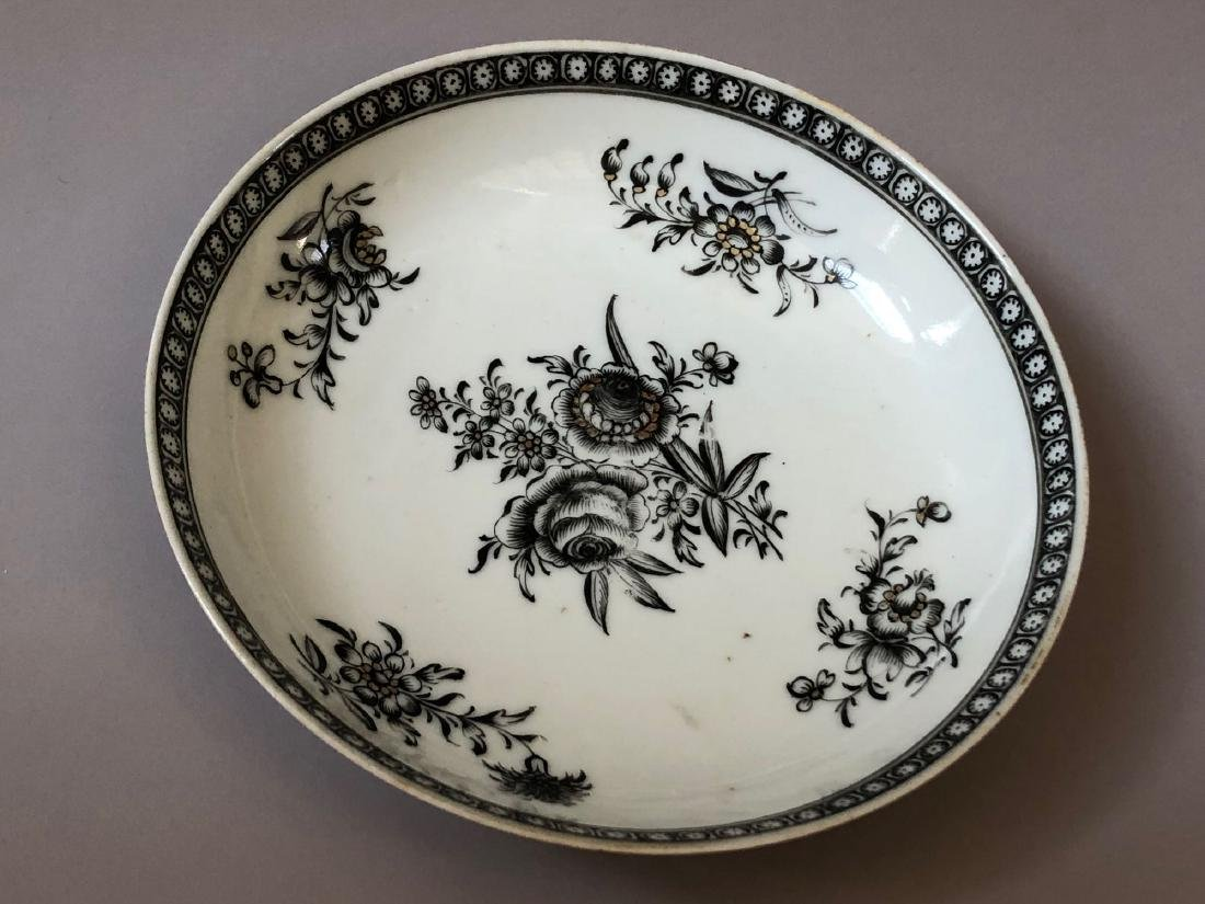 TWO OF CHINESE ANTIQUE EXPORT PORCELAIN DISHES,18C - 3