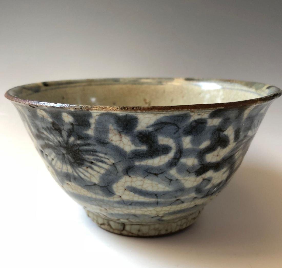 CHINESE ANTIQUE BLUE AND WHITE BOWL, MING DYNASTY - 3