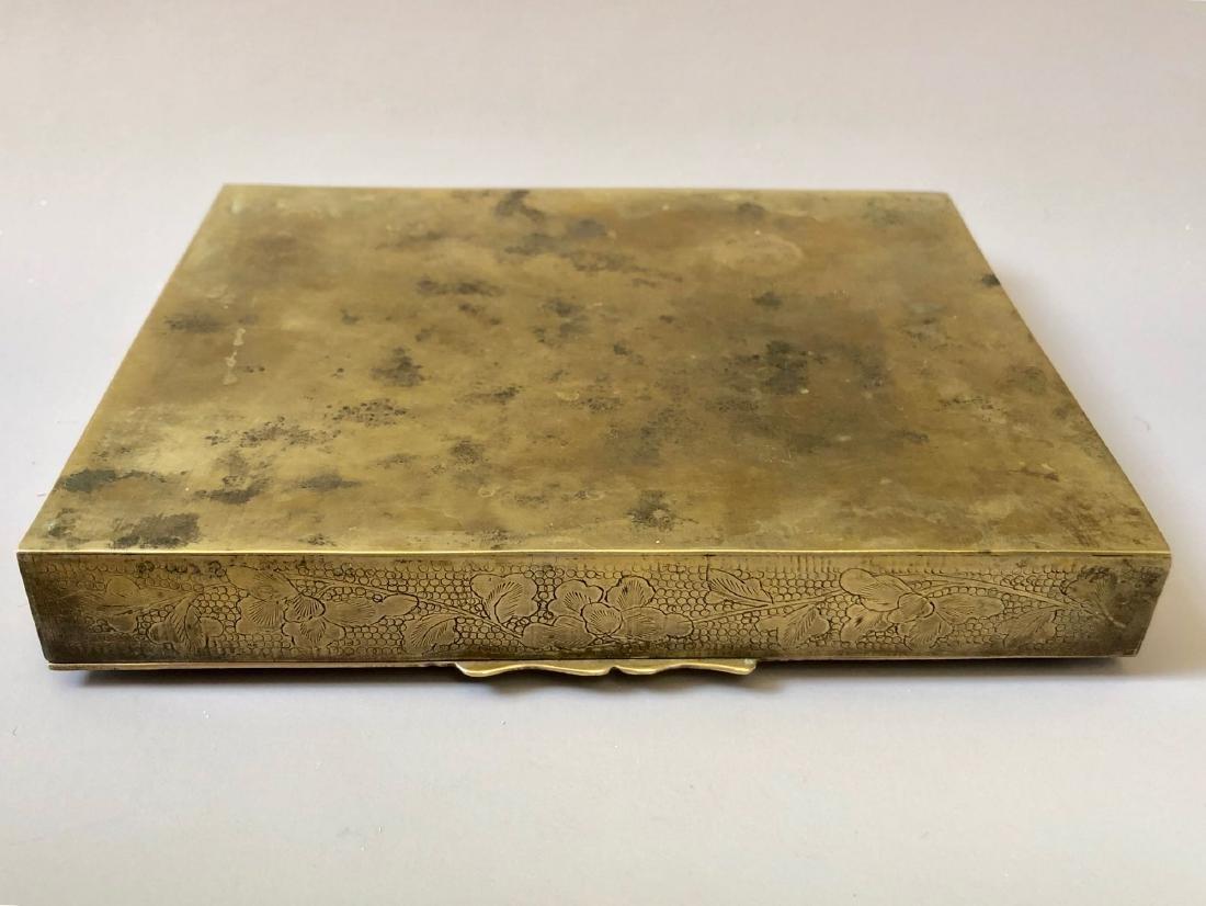 A CHINESE ANTIQUE CIGARETTE ENAMEL BOX - 2