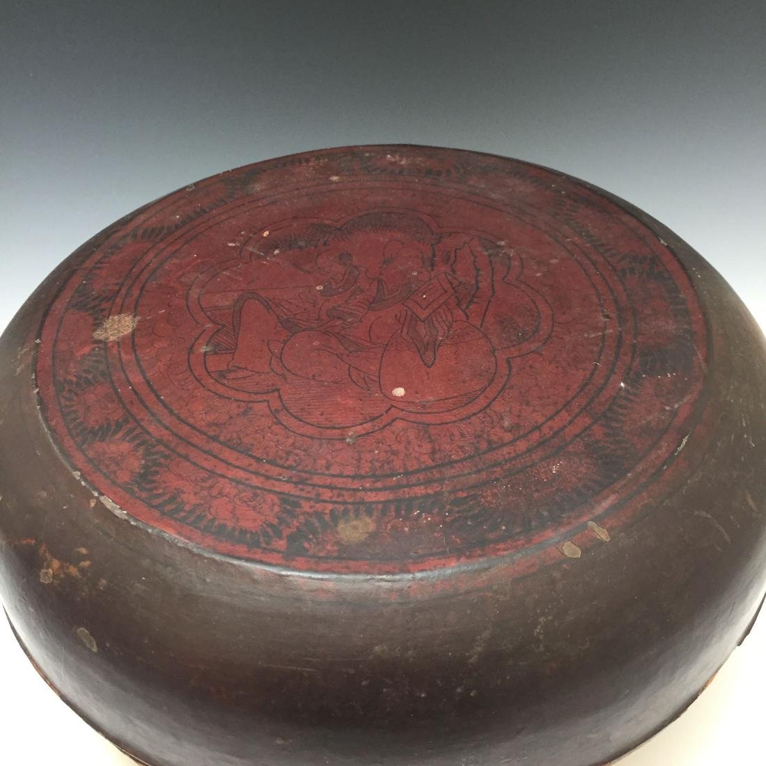 CHINESE ANTIQUE LACQUER BOX - 8