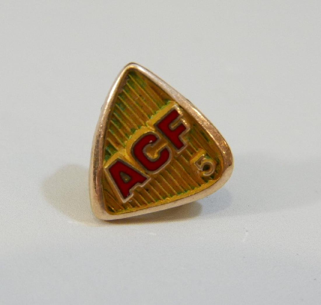 14K GOLD FRATERNAL ORDER LAPEL PIN