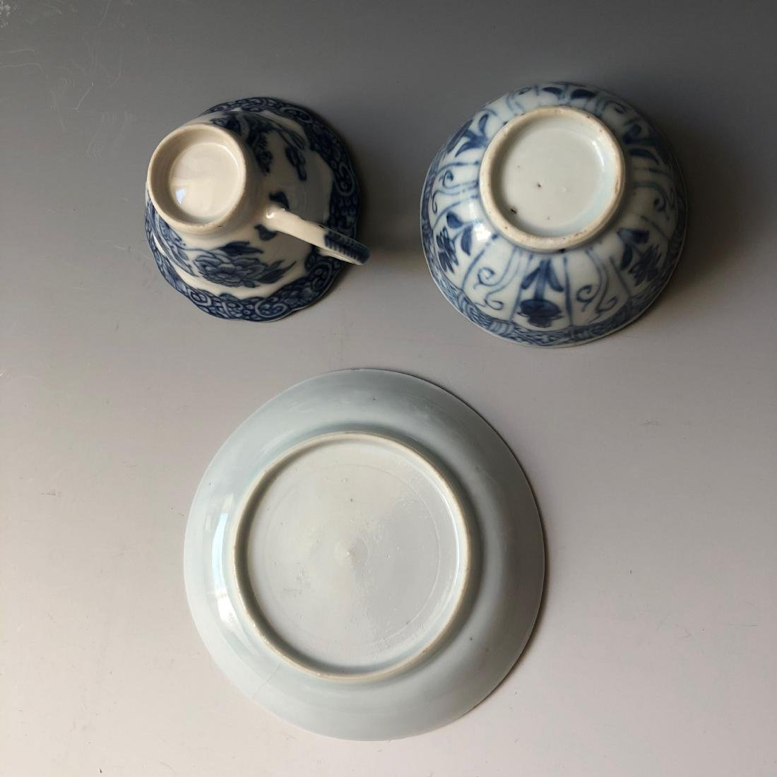 A SET OF CHINESE ANTIQUE BLUE AND WHITE PORCELAIN - 3