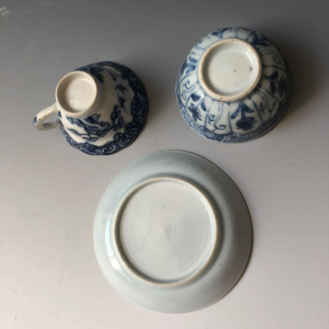 A SET OF CHINESE ANTIQUE BLUE AND WHITE PORCELAIN - 4