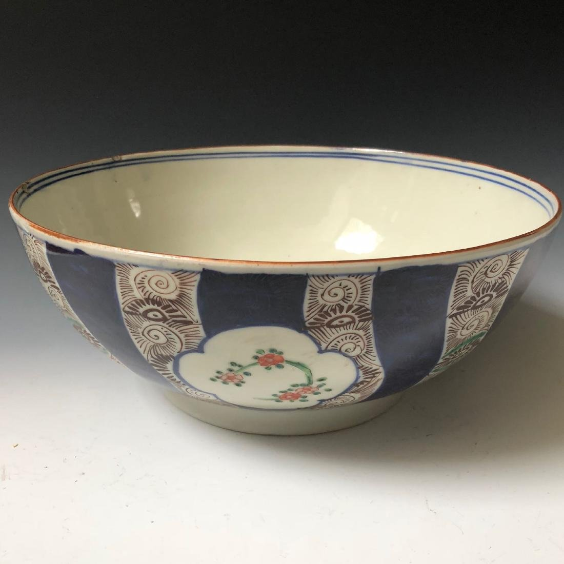 A JAPANESE PORCELAIN BOWL. - 5