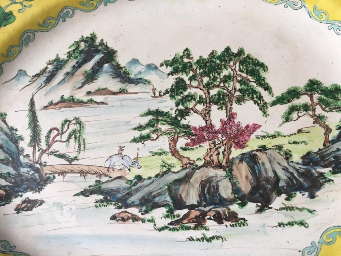 A CHINESE ANTIQUE ENAMELED CHARGER - 2
