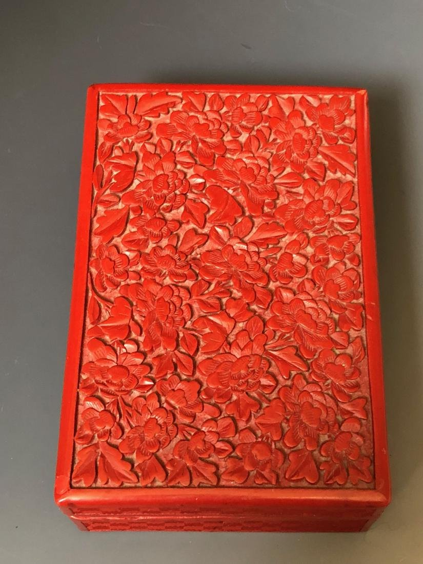 A CHINESE ANTIQUE RED LACQUER BOX, 19C.