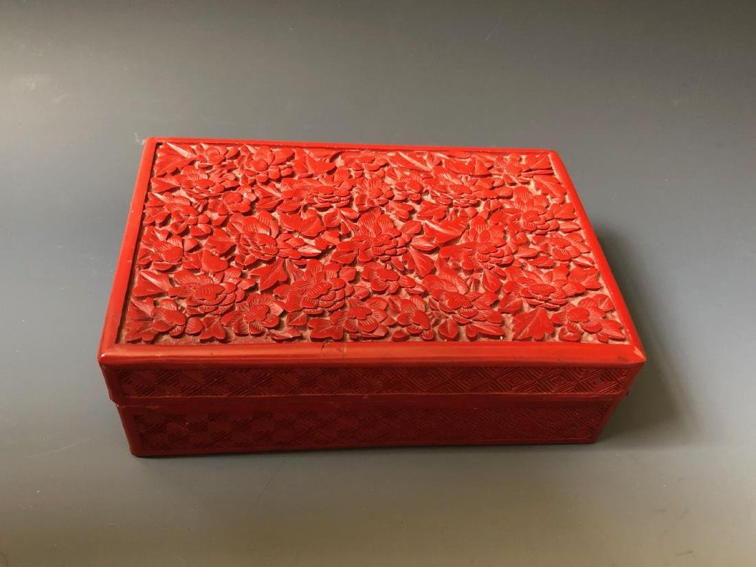 A CHINESE ANTIQUE RED LACQUER BOX, 19C. - 2