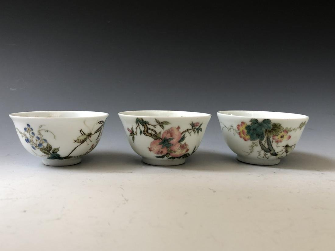 THREE OF CHINESE ANTIQUE  FAMILLE ROSE PORCELAIN BOWLS