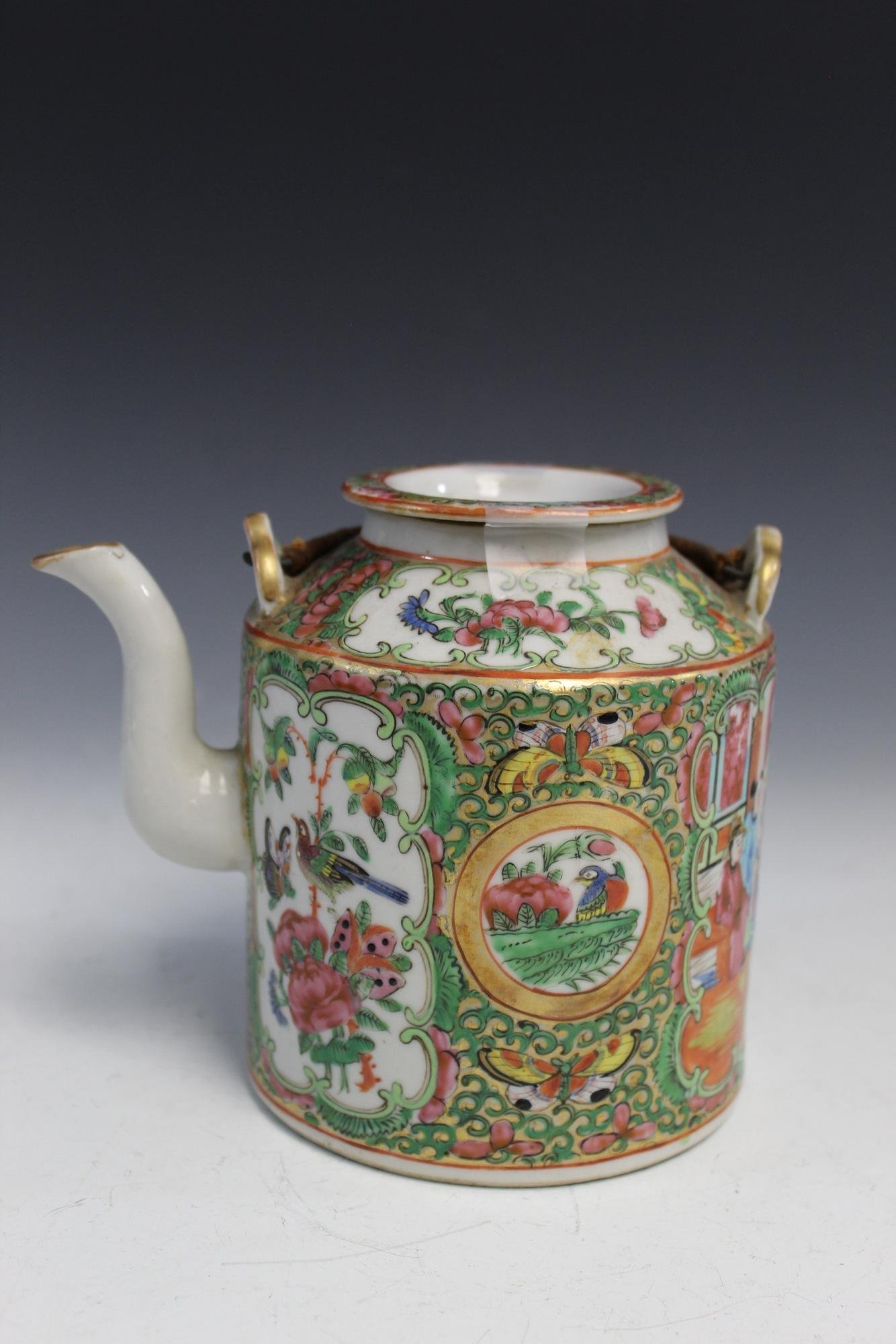 A Chinese Rose Medallion Porcelain Teapot. 19th C