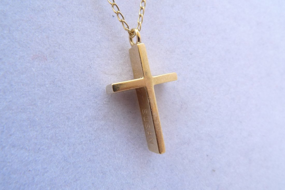 "14K Yellow Gold Necklace with Gold Cross Pendant 15"" 3g"