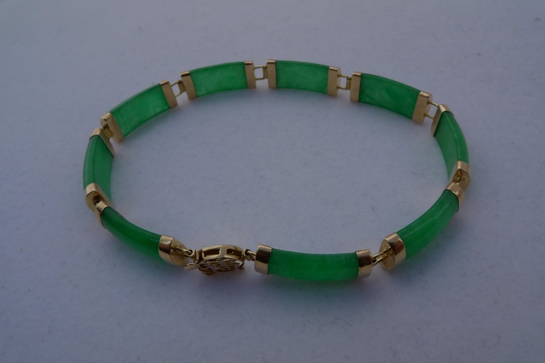 14K Yellow Gold Apple Green Jadeite Bracelet 10.2g