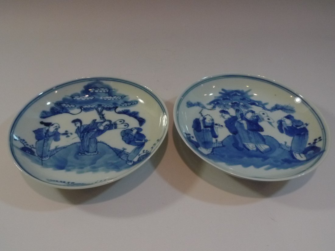 PAIR ANTIQUE CHINESE BLUE & WHITE PORCELAIN PLATE