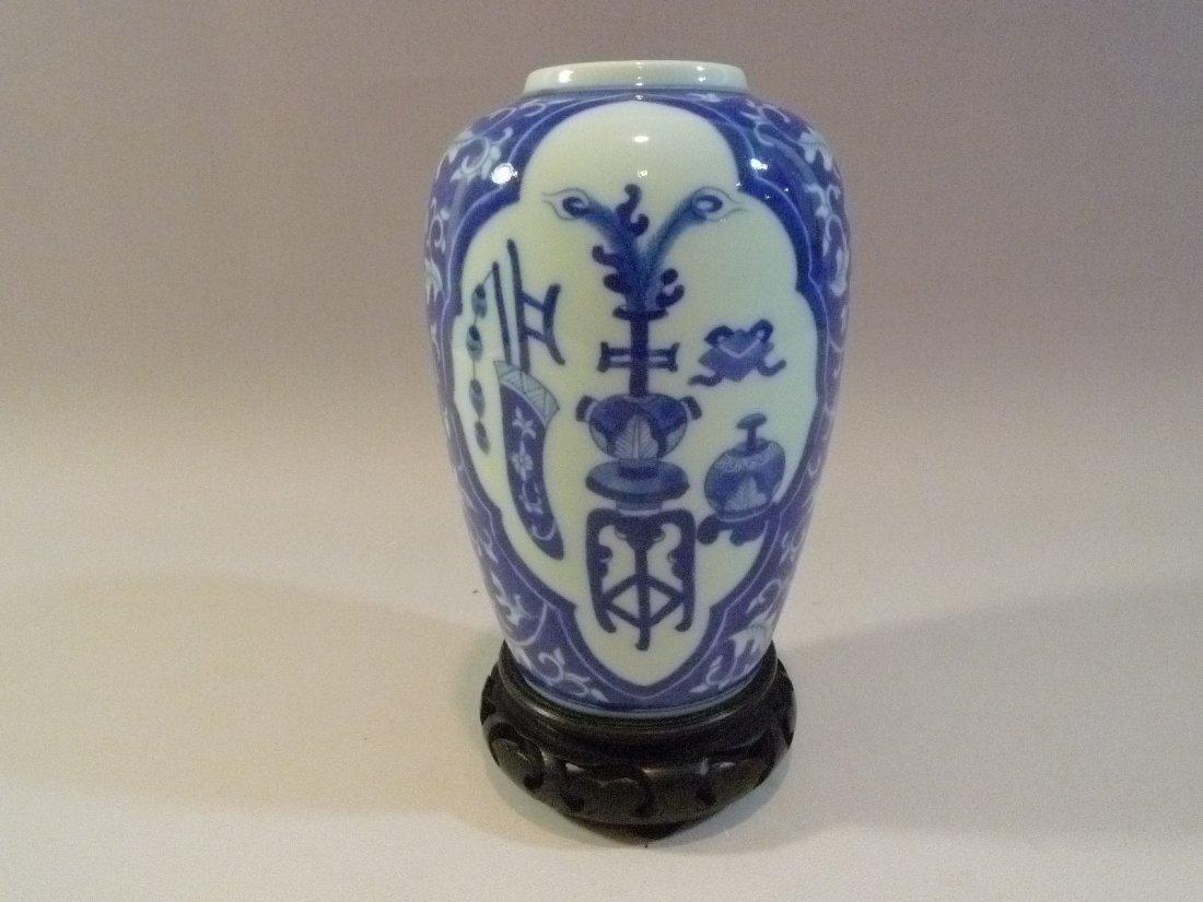 ANTIQUE CHINESE BLUE & WHITE PORCELAIN VASE KANGXI MARK