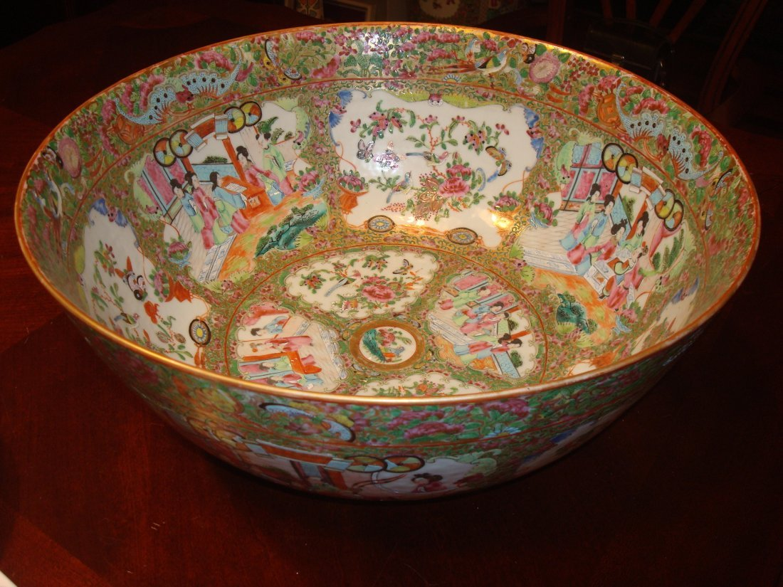 ANTIQUE Chinese Rose Medallioin Punch Bowl, early 19th