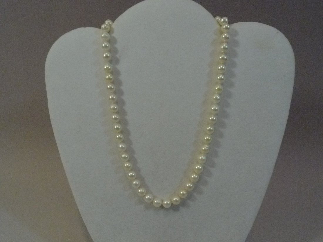 STERLING SILVER NATURAL CULTURED PEARL NECKLACE