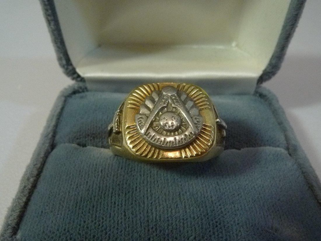 14K SOLID GOLD PAST MASTER MASONIC RING 14 GRAMS