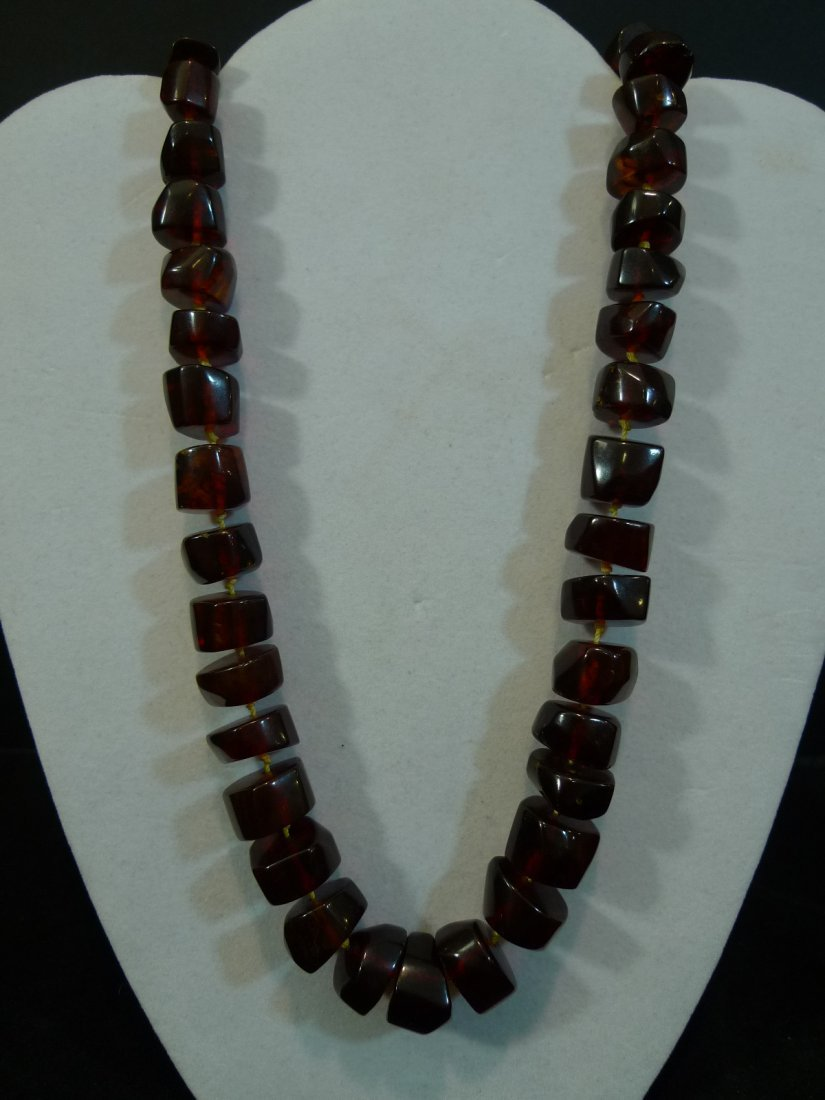 VERY RARE LARGE CHINESE BLOOD RED AMBER MILA NECKLACE