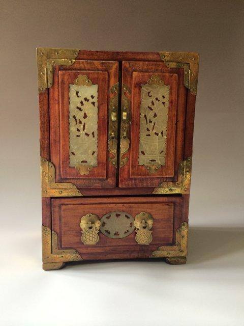 ANTIQUE CHINESE JEWELRY BOX
