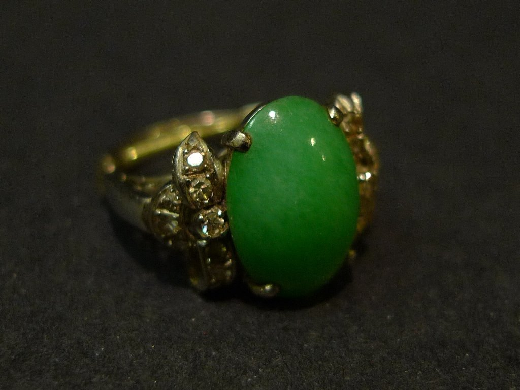 14K SOLID GOLD NATURAL GREEN JADEITE & DIAMONG RING