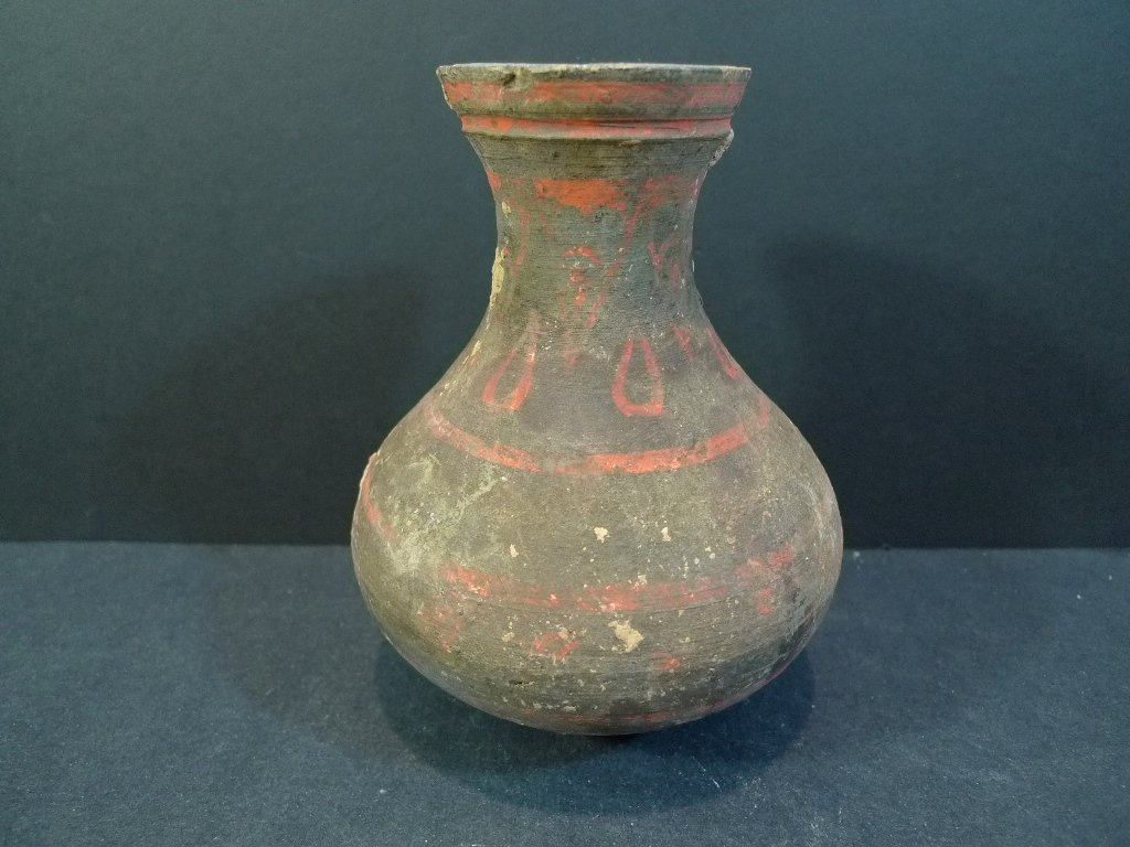 ANTIQUE CHINESE PAINTED POTTERY VASE - HAN DYNASTY
