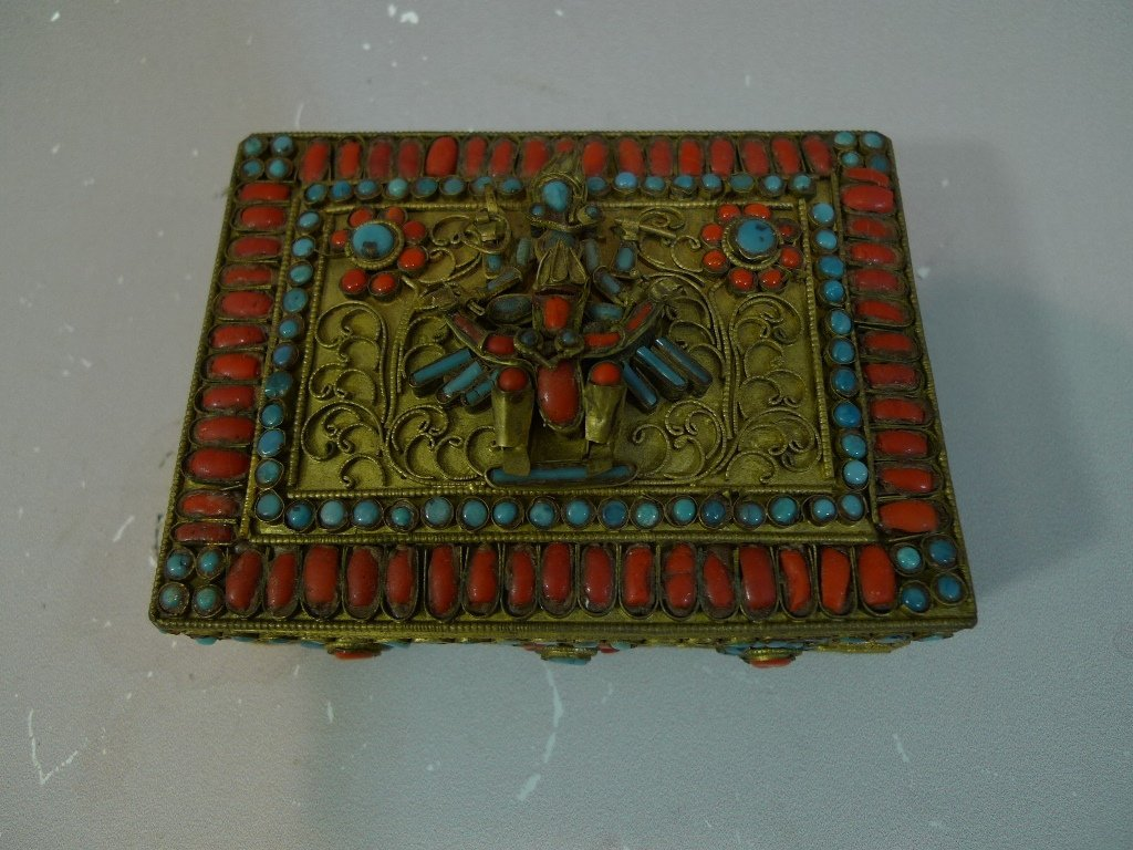 TIBETAN CHINESE CORAL AND TURQUOISE JEWELRY BOX