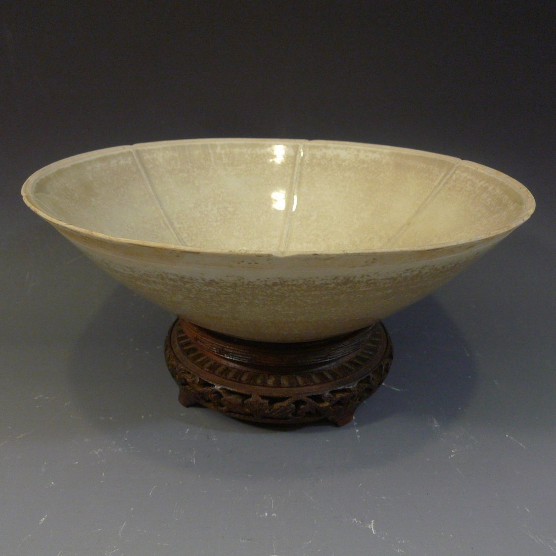 ANTIQUE CHINESE QINGBAI PORCELAIN BOWL SONG DYNASTY