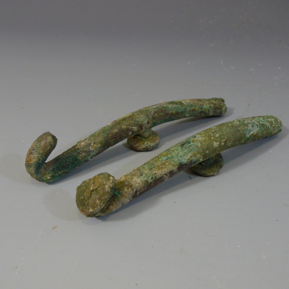 PAIR ANTIQUE CHINESE BRONZE BELT BUCKLE - WARRING STATE