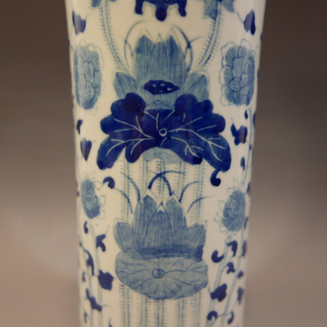 ANTIQUE CHINESE BLUE WHITE PORCELAIN BEAKER VASE - 6