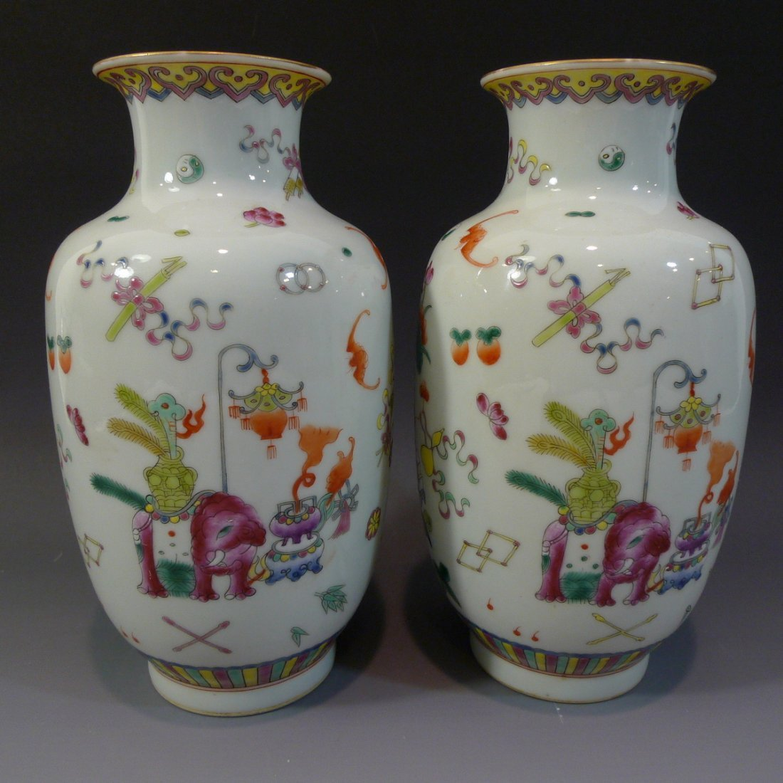 PAIR ANTIQUE CHINESE FAMILLE ROSE PORCELAIN VASE - 2