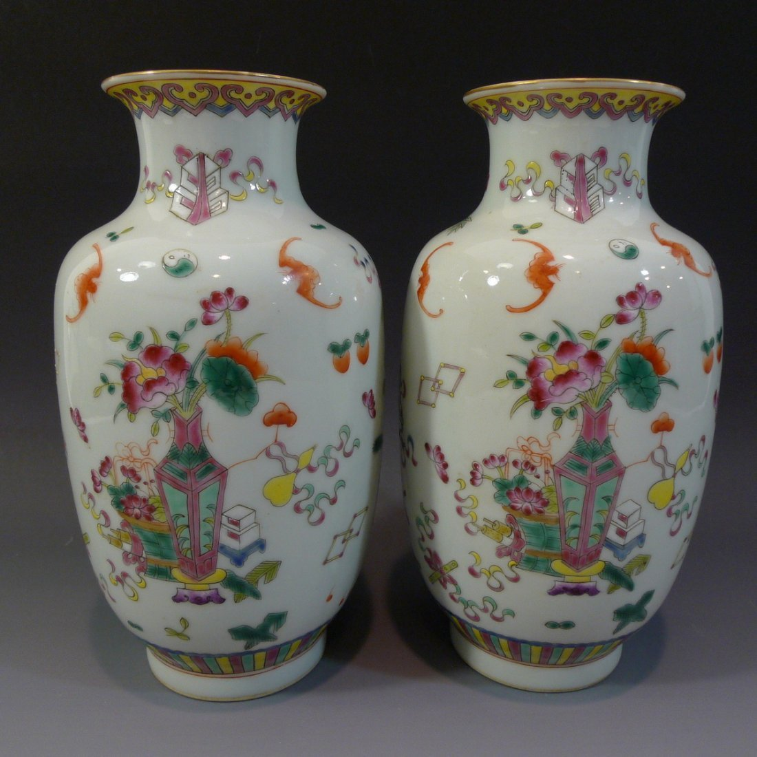 PAIR ANTIQUE CHINESE FAMILLE ROSE PORCELAIN VASE - 4
