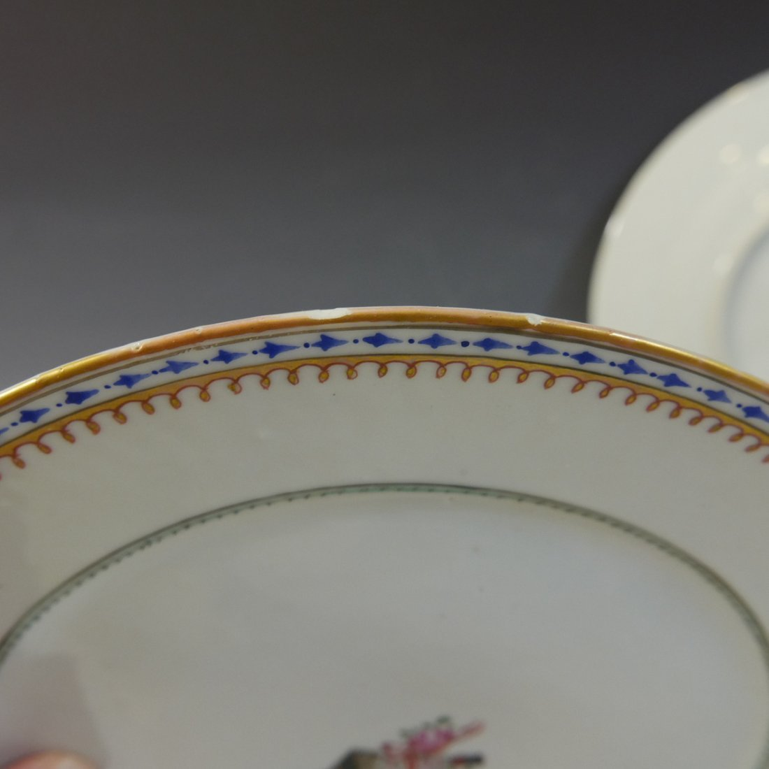 PAIR ANTIQUE CHINESE FAMILLE ROSE PORCELAIN PLATES - 18 - 6