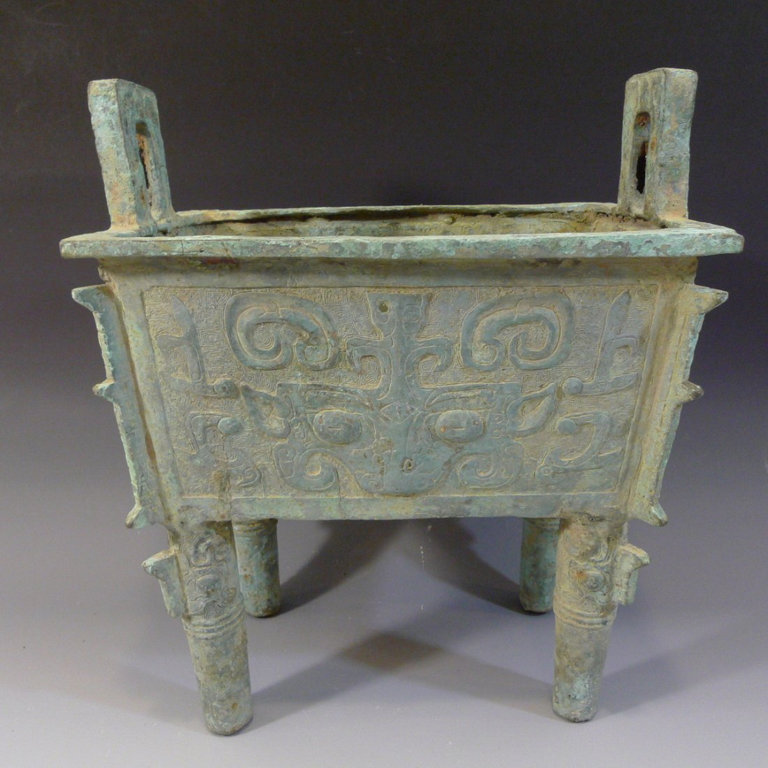 CHINESE ARCHAISTIC BRONZE DING SHANG STYLE