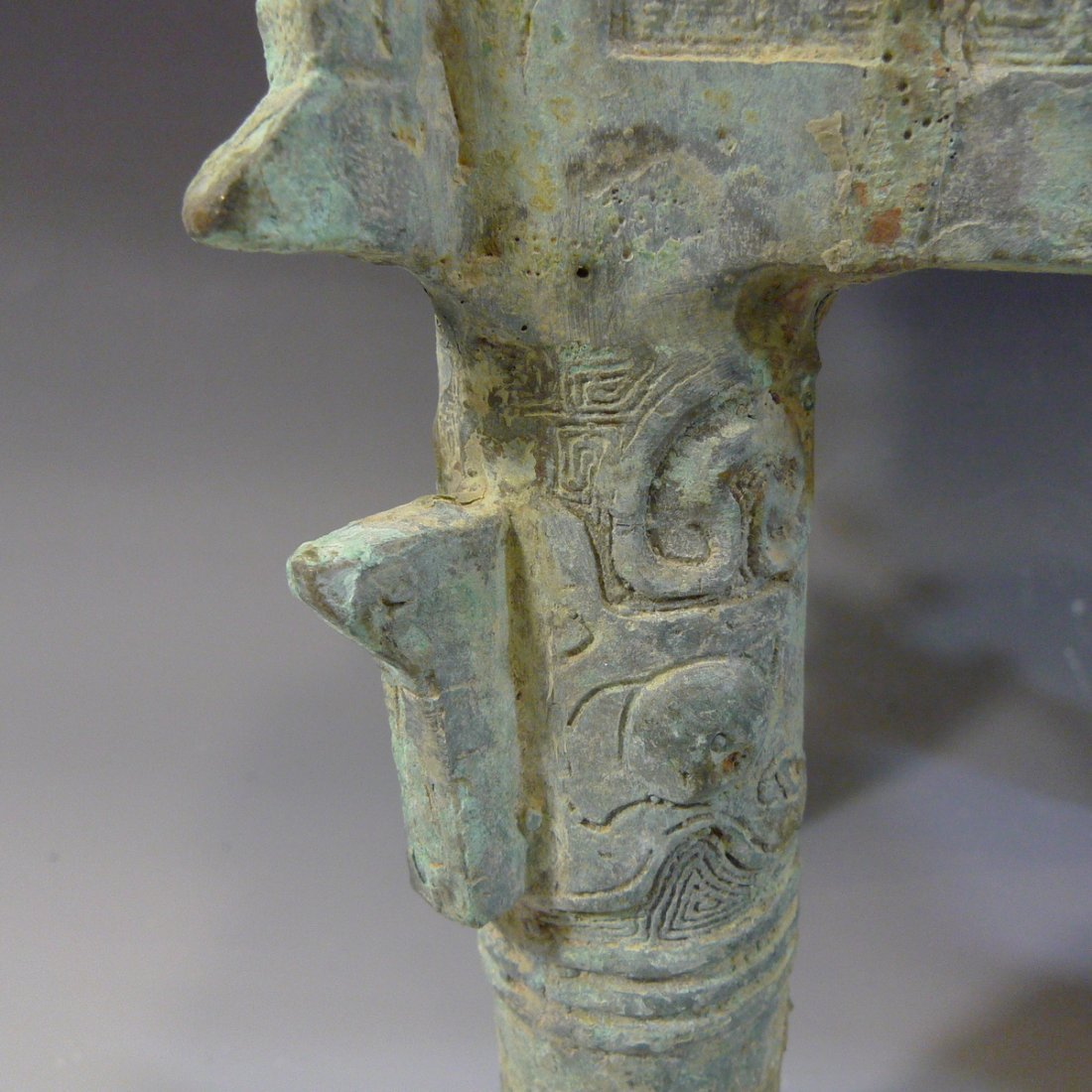 CHINESE ARCHAISTIC BRONZE DING SHANG STYLE - 8