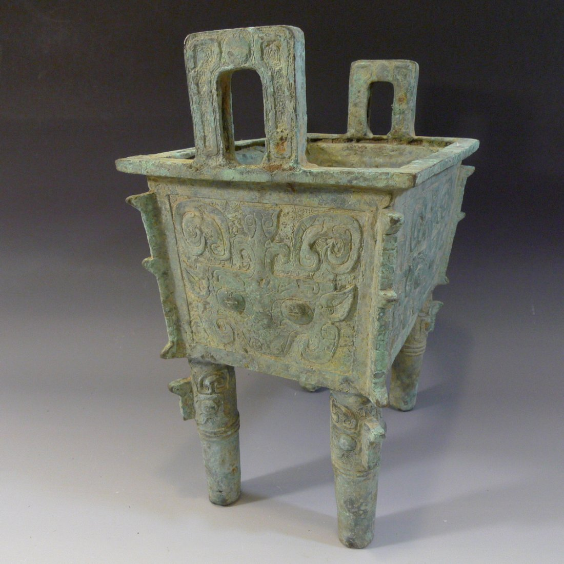 CHINESE ARCHAISTIC BRONZE DING SHANG STYLE - 9