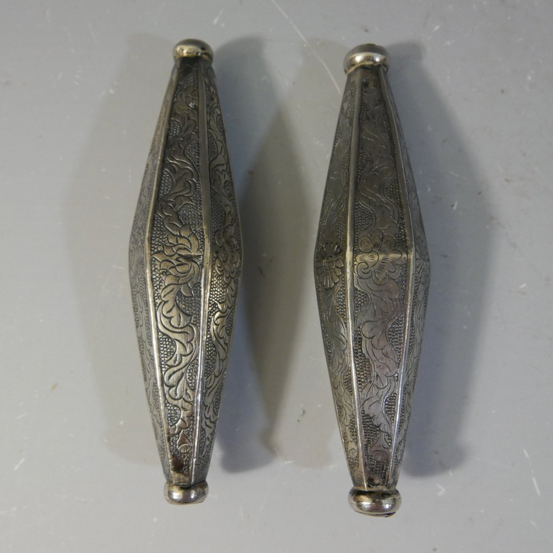 PAIR OF CHINESE SILVER OBJECT - 98 GRAMS