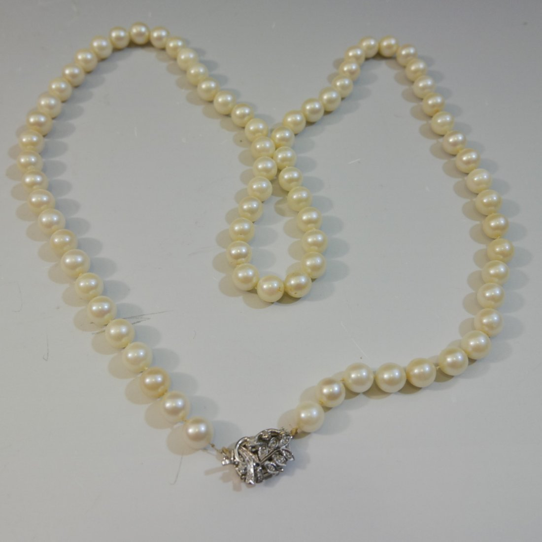 ELEGANT NATURAL PEARL NECKLACE WITH 14K WHITE GOLD