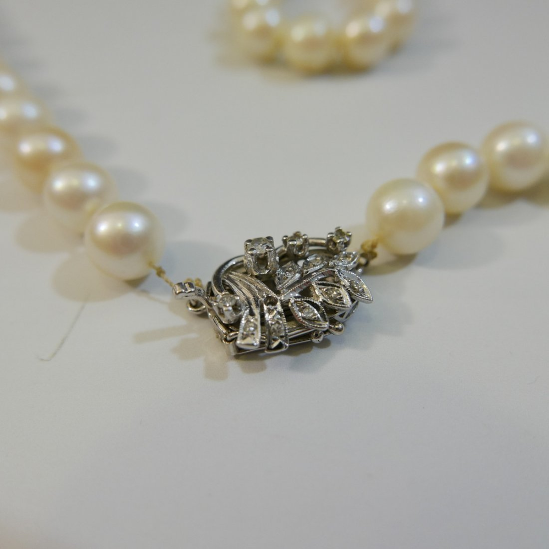 ELEGANT NATURAL PEARL NECKLACE WITH 14K WHITE GOLD - 2