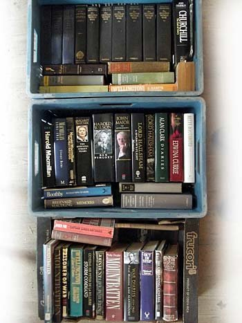 A large quantity of historical and biographical books,