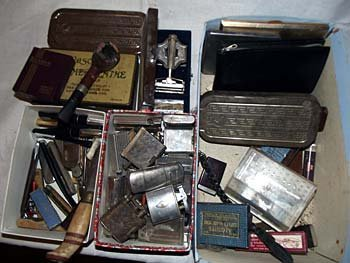 A miscellaneous collectors lot including cigarette ligh