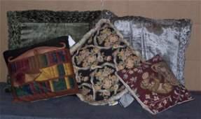 612: Decorator Pillows