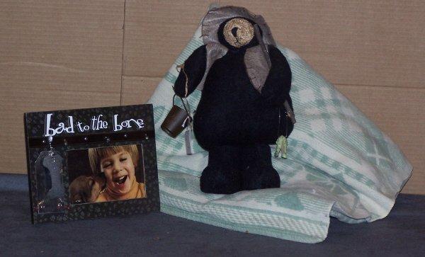619: Teddy Bear,Blanket and a Photo Frame