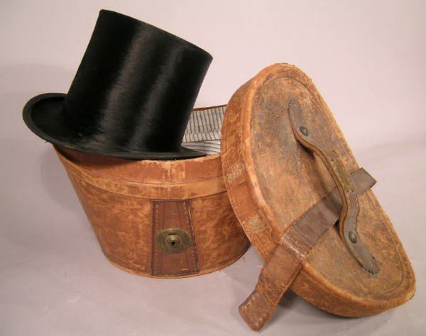 513: Top Hat with Leather Box English