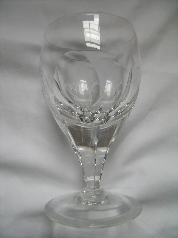 107: 12 Crystal Wine Glasses Royal Brierly