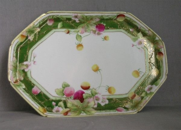 101A: NIPPON DRESSER TRAY FLORAL AND GILT