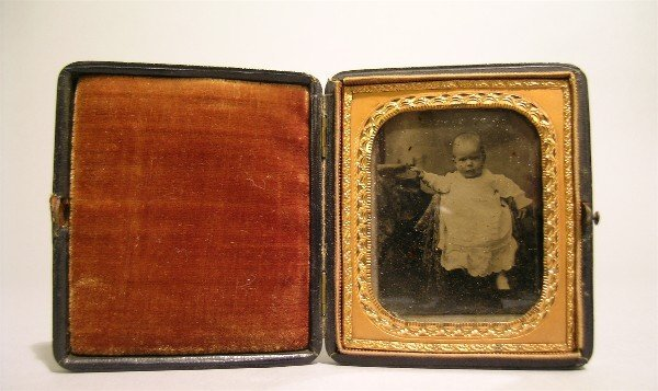 21: Daguerreotype Young Child