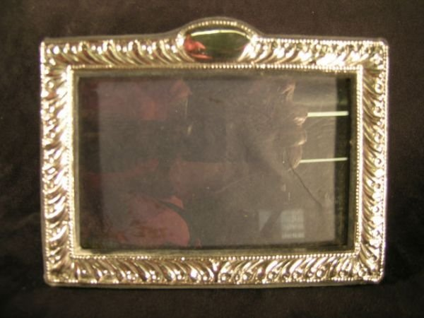 809E: Edwardian Style Sterling Silver Picture Frame