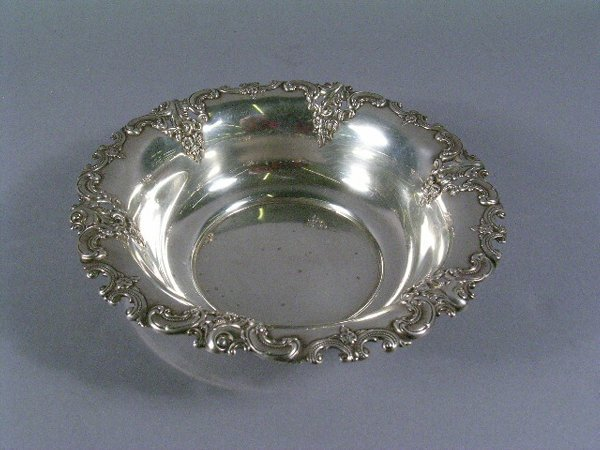 1013: Wallace Sterling Silver Dish